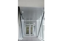 Sadrokartónové riešenie - kovové podhľady 11